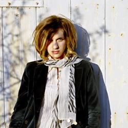 Amandine Bourgeois présente sa chanson de l'Eurovision 5