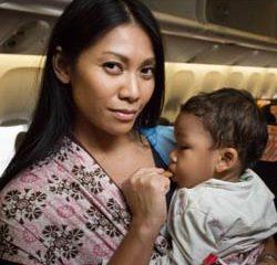 Anggun marraine de l'association Aviation Sans Frontières 8