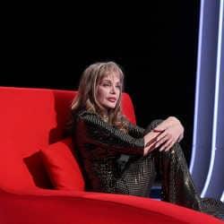 Arielle Dombasle en larmes face à Marc-Olivier Fogiel 5