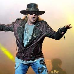 AC/DC : Axl Rose devrait remplacer Brian Johnson 5