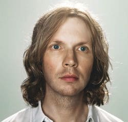 Beck de retour avec un douzième album 10