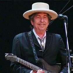 Bob Dylan en route pour recevoir son Nobel de littérature 5