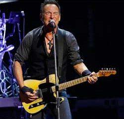 Bruce Springsteen invite une fan de 91 ans sur scène 22