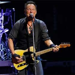 Bruce Springsteen invite une fan de 91 ans sur scène 5