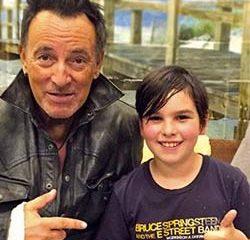 Bruce Springsteen vole à la rescousse d'un jeune garçon 20