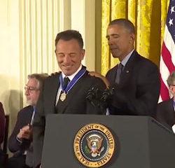 Le Boss reçoit la plus haute distinction civile américaine 11