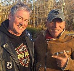 En panne, Bruce Springsteen se fait dépanner par des motards 22