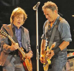 VIDEO : Bruce Springsteen rejoint Paul McCartney sur scène 5