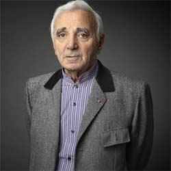 Charles Aznavour honoré par un Roi 6