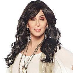 La chanteuse Cher dévastée par la mort du père de son fils 6