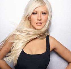 Christina Aguilera snobée par Mickey Mouse 10