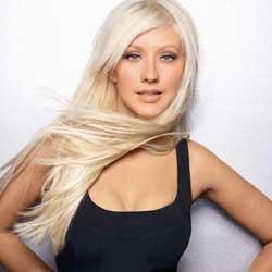 Christina Aguilera snobée par Mickey Mouse 5