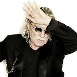 Christophe donnera 10 concerts très intimes en 2013 5