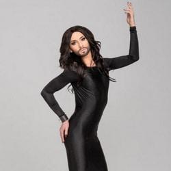 Conchita Wurst se met à poil dans son nouveau clip 6
