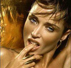 Dannii Minogue nue dans Playboy 8