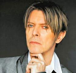David Bowie dans une pub pour la marque Sony 15