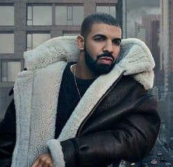 VIDEO : Lourde chute de Travis Scoot au concert de Drake 6