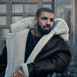 VIDEO : Lourde chute de Travis Scoot au concert de Drake 5
