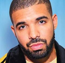 VIDEO : Drake réussit un incroyable panier au basket 15