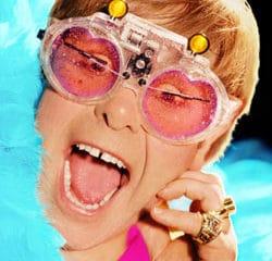 Elton John de retour avec un nouvel album 8