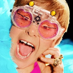 Elton John de retour avec un nouvel album 5