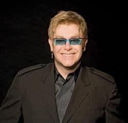 Elton John défie le pouvoir russe 7