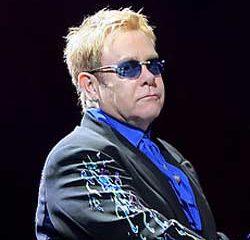 Elton John attaque des médias français en justice 11