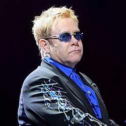 Elton John attaque des médias français en justice 5