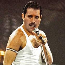 Hommage à Freddie Mercury, mort il y a 25 ans ! 5