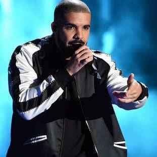 VIDEO : 2 stars du foot se déchaînent au concert de Drake 5