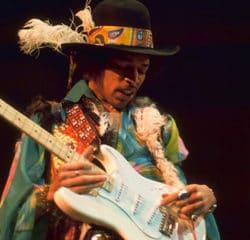 Deux albums posthumes de Jimi Hendrix dans les bacs 7