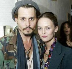 Vanessa Paradis vole au secours de Johnny Depp 8