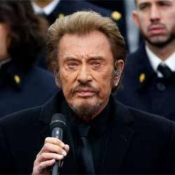Johnny Hallyday chante pour les victimes des attentats 6