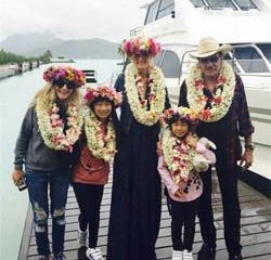 Johnny et Laeticia Hallyday en vacances à Tahiti 7
