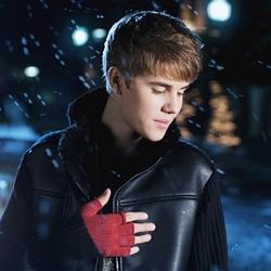 Justin Bieber Mistletoe 5