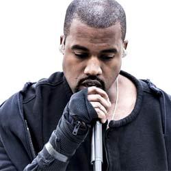 La preuve que Kanye West chante en playback à ses concerts 5