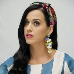 Katy Perry de retour avec « Prism » 5