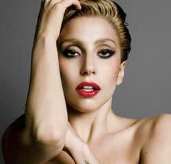 Lady Gaga Invitée du dîner de C à Vous ce soir 13