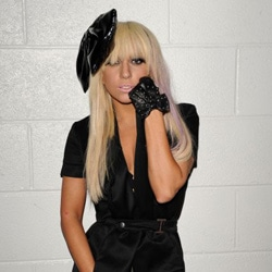 Lady Gaga en concert à Bercy mardi 21 décembre 2010 5