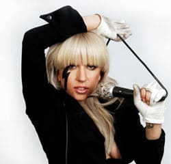 Lady Gaga annule son concert à Bercy 9