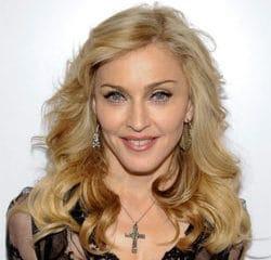 Madonna annule les premières dates de sa tournée 9