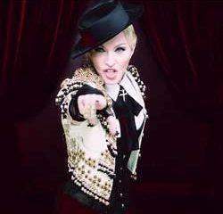 Madonna en larmes à son concert 23
