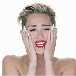 En larmes, Miley Cyrus lance un message à Donald Trump 5