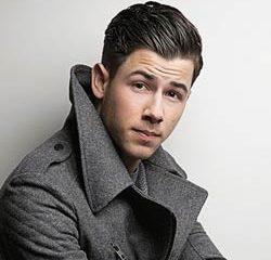 Nick Jonas débarque avec un nouvel album 5