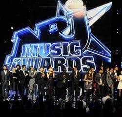 Les NRJ Music Awards récompensent le meilleur fan 11
