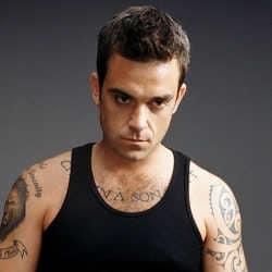 Robbie Williams prêt à représenter la Russie à l'Eurovision 5