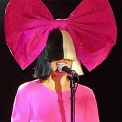 SIA chante <i>Diamonds</i> de Rihanna 6