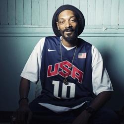 Snoop Dogg change d'identité et de style 5