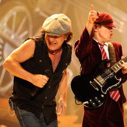 AC/DC <i>Backtracks</i> 7