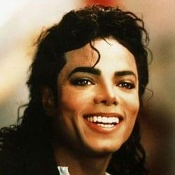 Michael Jackson pris en photo pendant son autopsie 5